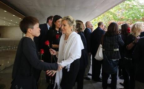 La viuda, Mar�a Luisa Gregori, a la derecha.