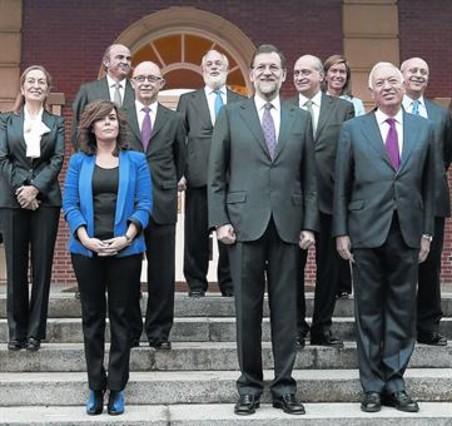 Rajoy ultima cambios para dar al gobierno y al pp br o for Ministros del gobierno