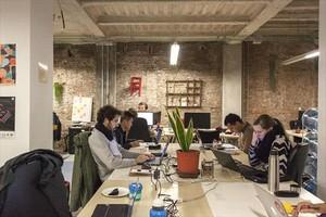 <b>COMUNIDAD.</b> <br/> Centro de coworking Alpha Espai de Barcelona. La creación de comunidad es una prioridad.