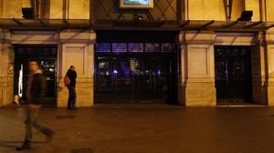 Puerta de los cines Comèdia, en el paseo de Gràcia.