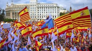 lainz40511936 corrige fecha gra201 barcelona 12 10 2017 banderas de171013220142