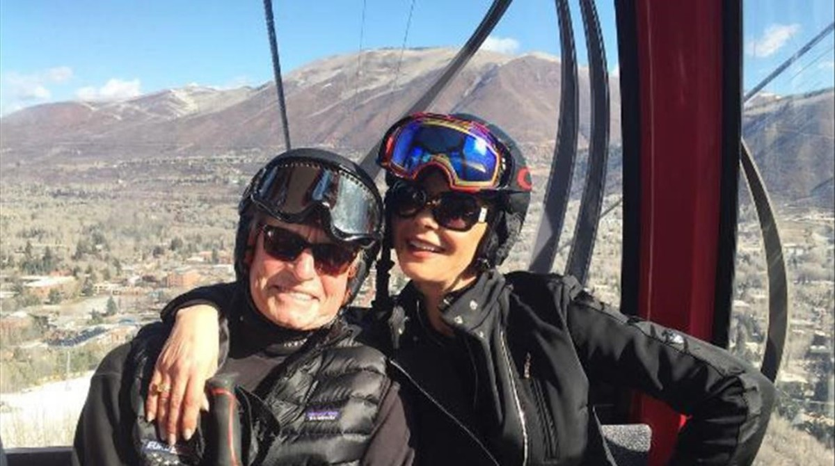 Douglas reaparece en Aspen tras los rumores de su delicada salud
