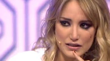 Alba Carrillo llora desconsoladamente en 'Hable con ellas'.