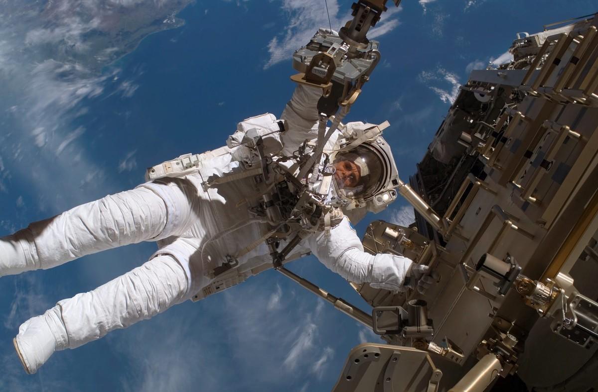 La NASA elige a 12 futuros astronautas