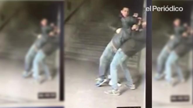 Grabación que muestra un atraco del 'mataleón' en el metro de Madrid.