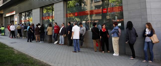 El paro registrado sube en personas en septiembre for Oficina de empleo madrid