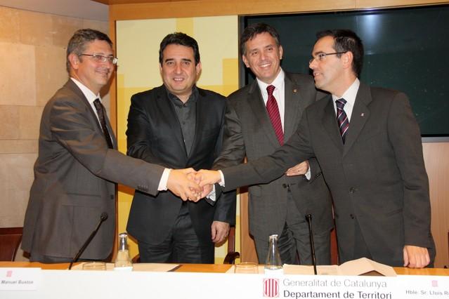"""Bustos critica la """"frialdad"""" de los bancos ante el """"drama"""" social de los desahucios"""