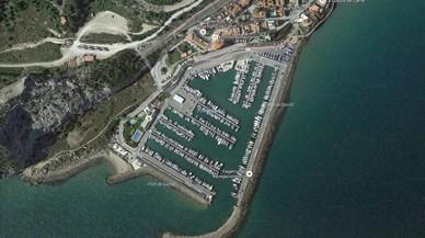 Vessats uns 1.000 litres de gasoil al port del Garraf, a Sitges