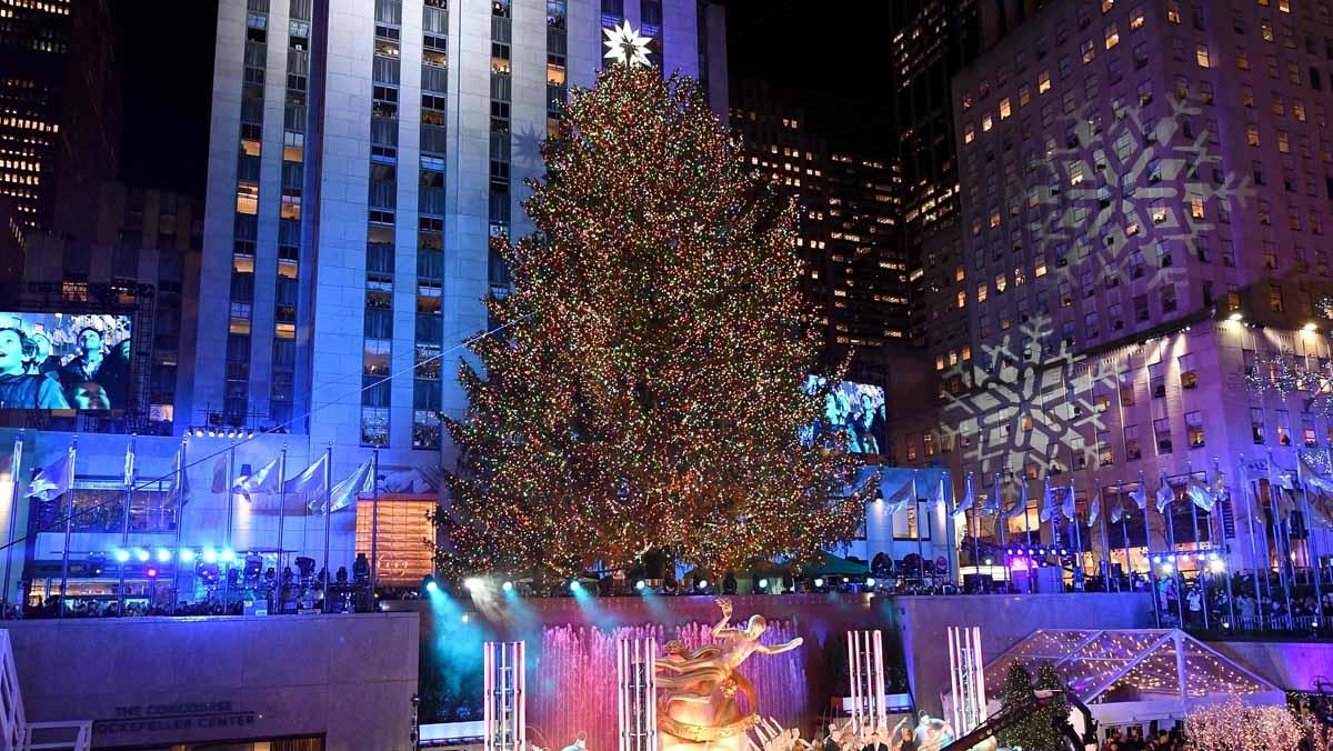 Iluminan el árbol de Navidad de Nueva York en Rockefeller