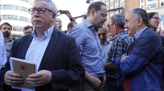 Patronals i sindicats exigeixen negociacions ràpides per formar govern