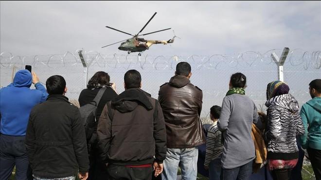 Grècia demana ajuda a la UE per a 100.000 refugiats