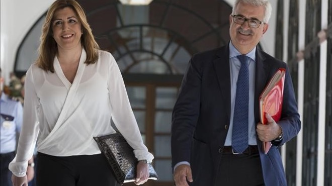 Susana Díaz nega el frau en els cursos de formació i culpa el Govern del PP