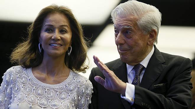 El escritorMario Vargas Llosa celebra su 80 cumpleaños con una multitudinaria cena.