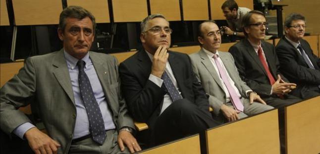 Oliver� y Moya dimiten del consejo gestor del Espanyol