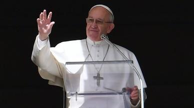 El papa Francisco habla con los astronautas de la Estación Espacial Internacional
