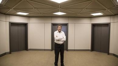 El polit�logo franc�s Sami Na�r,en la sede de la editorial Planeta.
