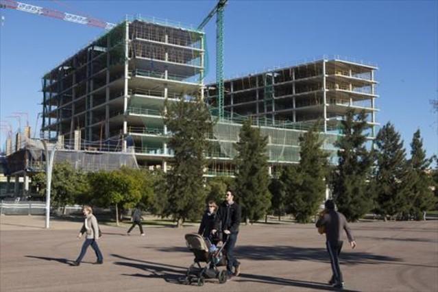 La sareb cede suelo a promotoras para construir for Pisos sareb barcelona