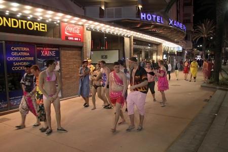 Turistas brit�nicos en Lloret, el abril pasado.