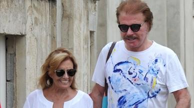 La periodista Maria Teresa Campos y el humorista Edmundo Arrocet, en Marbella, en una foto de archivo.