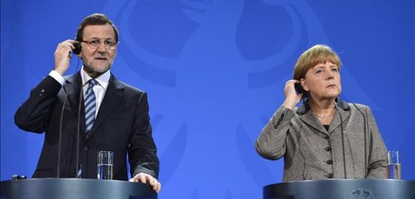 Rajoy y Merkel, este lunes, en la rueda de prensa que han ofrecido en Berln.