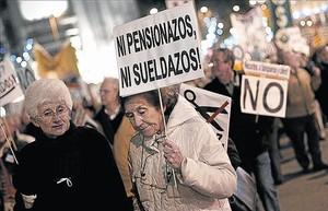 Protestas de pensionistas a favor de una jubilación digna.