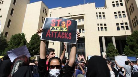 Manifestaci�n contra los ataques con �cido