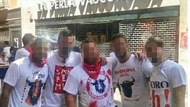 Fotografía del grupo conocido como La manada, acusados de una violación múltiple que se está juzgando en Pamplona.