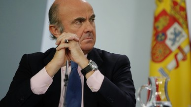 """Guindos: """"El que fa que les empreses se'n vagin és la irracionalitat de la Generalitat"""""""