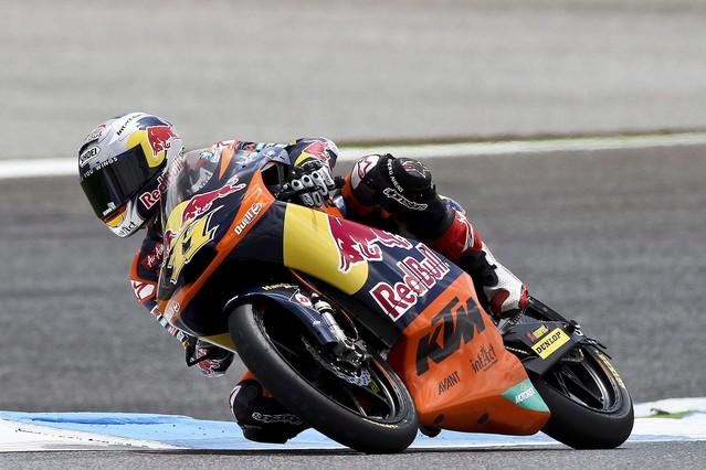 Cortese gana a Vi�ales y se pone l�der en Moto3