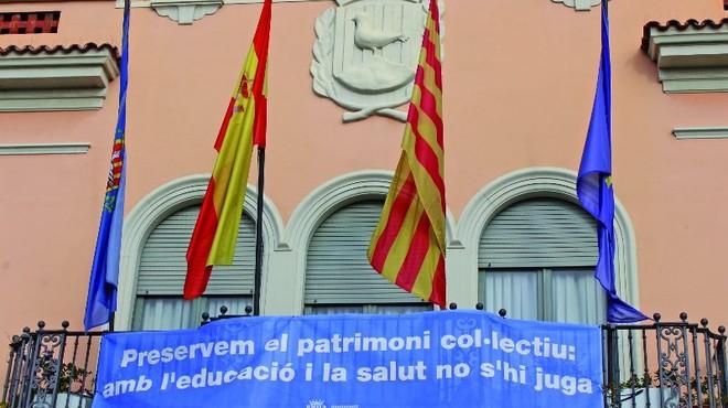 Núria Parlon pide a la 'consellera' de educación soluciones 'a corto plazo' para Santa Coloma