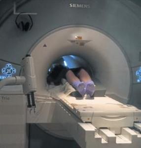 Una prueba de diagnóstico por la imagen, en un hospital barcelonés.