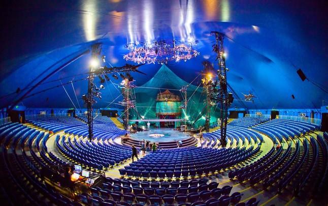 Circo aventura la alianza de dos gigantes del ocio for Espectaculo circo de soleil