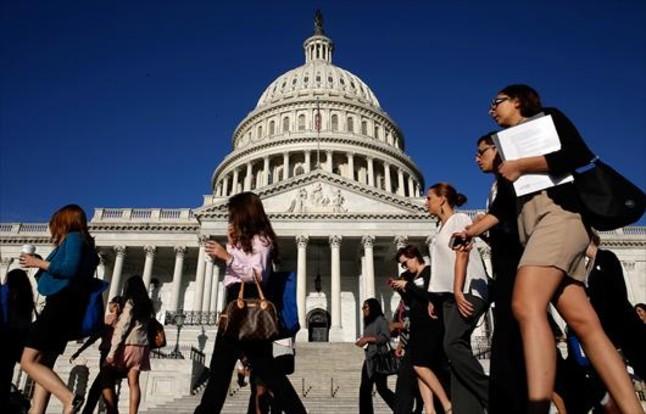 Un policía herido por disparos junto al Capitolio de EEUU