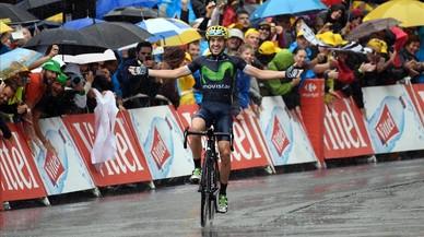 Jon Izagirre celebra su victoria de etapa en Morzine.