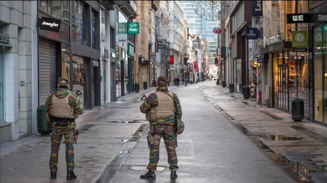 La policia belga investiga si policies i soldats van celebrar una orgia durant l'alerta terrorista