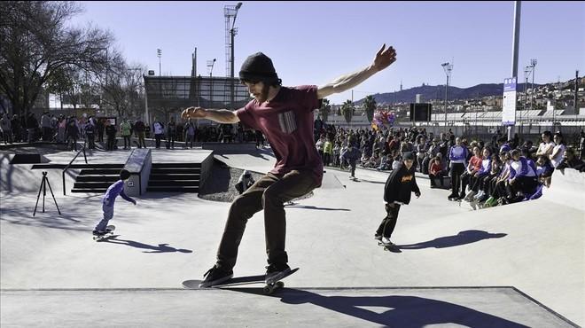 Santa Coloma inaugura el 'skate park' de Can Zam