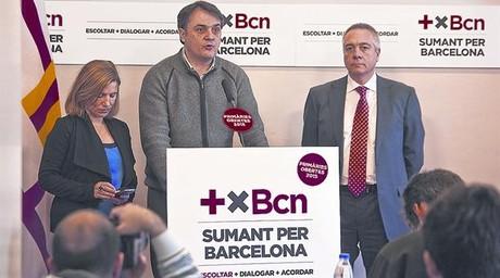 Carles Martí, entre Lourdes Muñoz i Pere Navarro, en la presentació de les primàries del PSC de Barcelona.