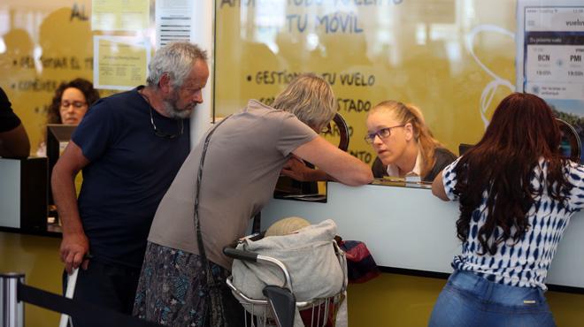 Los sindicatos acusan a vueling a improvisar la for Oficinas de vueling en barcelona