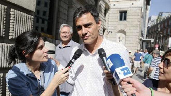 La llamada: Sánchez llama a Rajoy y promete el respaldo del PSOE en la oposición al referéndum catalán.