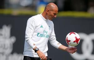 Zidane, durante un entremiento con el Madrid en Los Ángeles