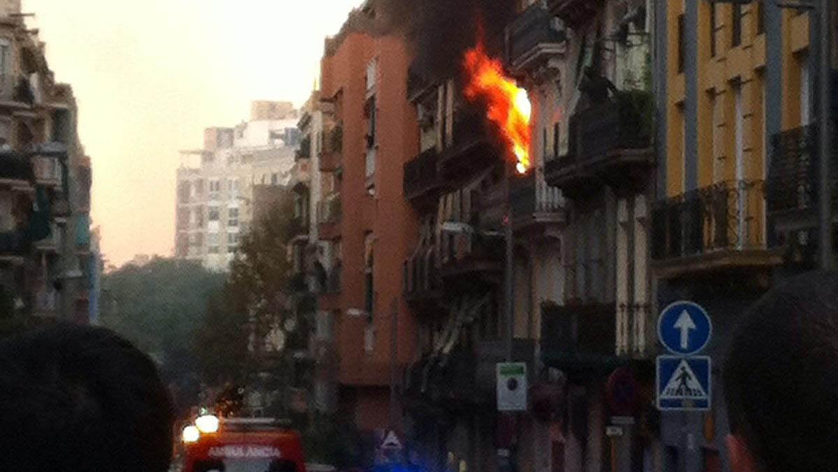 Incendi al carrer Nou de la Rambla