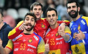 Jugadores de la selección celebrando el triunfo ante Polonia durante el TIE