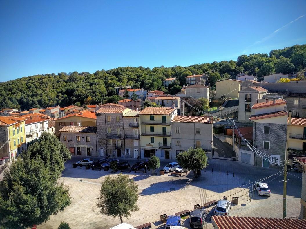 Ollolai el pueblo italiano que vende casas al m dico - Casas en pueblos ...