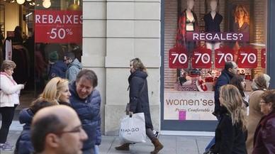 Mango, H&M i Cortefiel 'avancen' les rebaixes amb descomptes del 50%