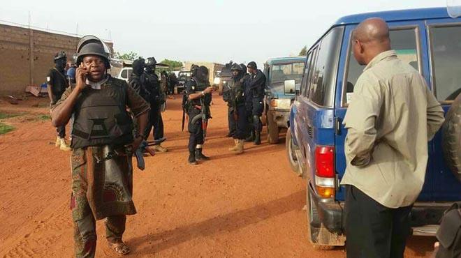 Almenys tres morts en un atac contra un 'resort' turístic a Mali, en directe