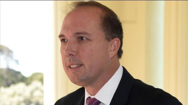 """Un ministre australià diu que els refugiats són """"analfabets"""" i vénen """"a treure'ns la feina"""""""