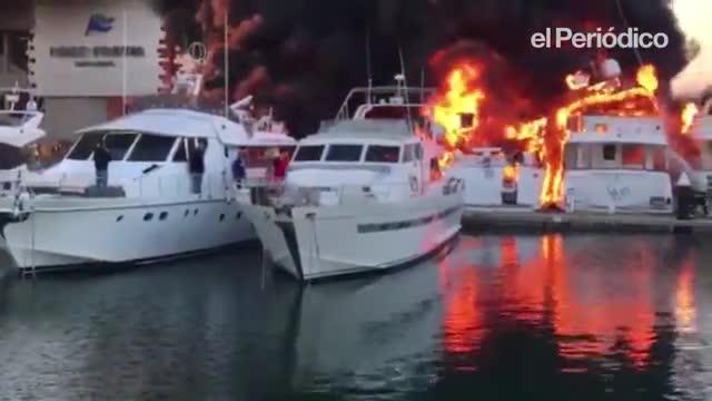 Controlado el incendio que ha hundido 6 yates y dañado otros 4 en el puerto del Fòrum