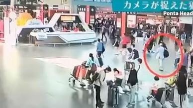 Un vídeo muestra toda la secuencia del asesinato del hermano de Kim Jong-un