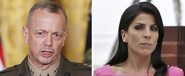 """Los correos entre el general Allen y la amiga de Petraeus eran como """"un tel�fono er�tico"""", seg�n la Fox"""
