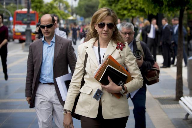 Hacienda admite que no investigó a la infanta Cristina por las 13 operaciones de 'compraventa' erróneas